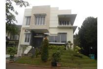 Dijual Rumah Mewah Strategis di Cluster Castilla BSD Tangerang Selatan