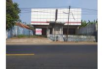 Jual cepat bangunan Ex showroom di Cipatat