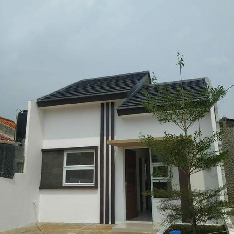 Rumah Strategis Di Pinggir Jalan Utama