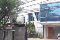 Rumah di Tebet, Di Tepi Jalan Utama, Siap Huni, Luas Tanah 431 m2