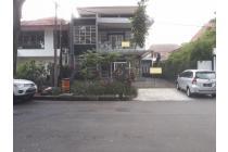 Jual Rumah Baru Sayap Riau Bandung . Lokasi emas. Cocok utk usaha.