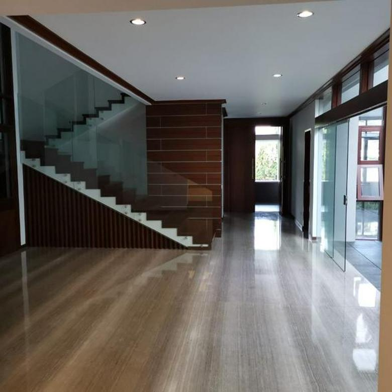 Rumah Premium Luxuary Baru dan Asri di Setraduta Bandung