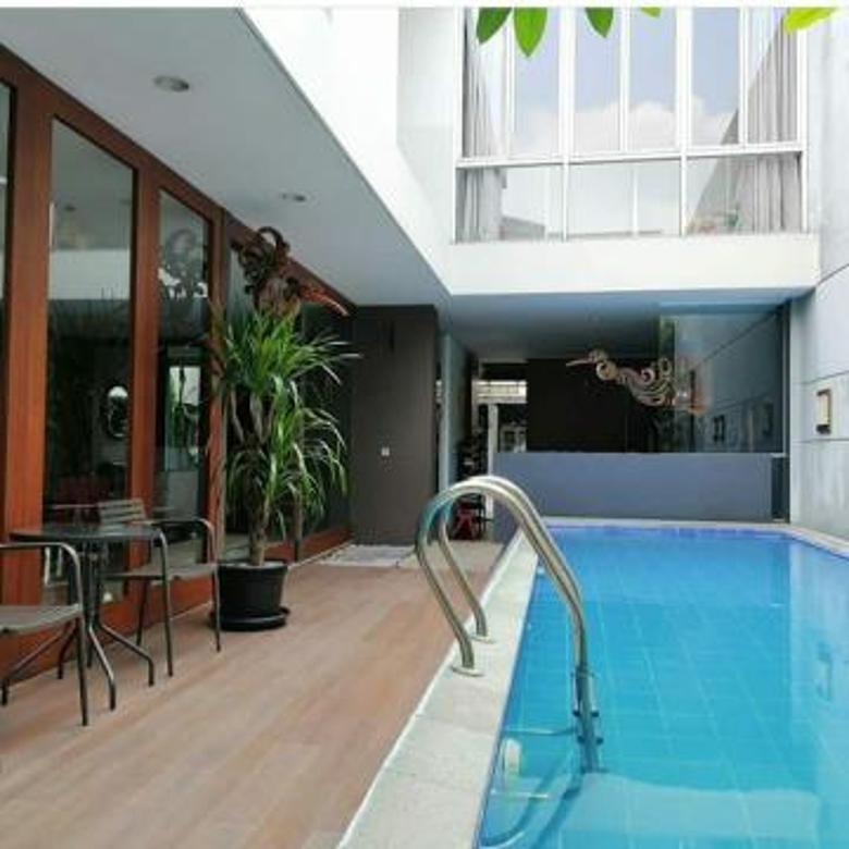 Rumah Cantik Siap Huni Di Jln.Benda Atas,Jeruk Purut,Cilandak Timur-Ada Swimming Pool