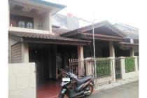 Rumah 1,5 lantai strategis di Jatiwaringin Pondok Gede
