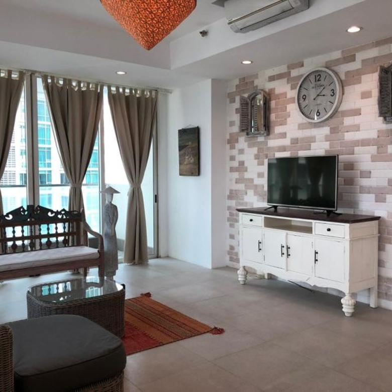 DIJUAL 3 bedrooms apartemen/private lift/full furnished