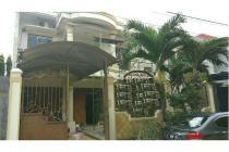 Rumah MURAH , STRATEGIS , SUDAH DIRENOVASI di Dhramahusada Mas