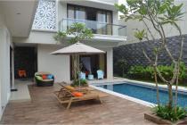 Rumah Minimalis Tropis Sangat Istimewa Puri Bintaro dengan Pool