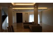 Rumah brandnew 2 lantai yang luas di Gading Kirana, Kelapa Gading, JakUt
