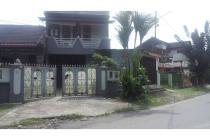 Rumah Permanen Pinggir Jalan Utama