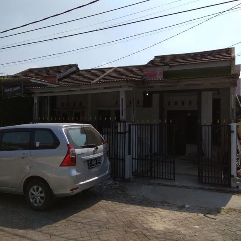 Dijual Cepat Rumah Hoek Baru Renov, Bisa KPR Bank Lokasi Karaw