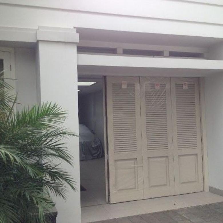 Jual Rumah Lux Lingkungan Elit di Dago Bandung