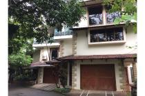 Rumah Besar Di Jual gaya Resort Klasik Fatmawati Jakarta Selatan