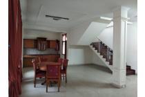 For Rent Budi Asih Rumah besar disewakan Bandung
