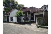 Rumah dan bangunan kost di lingkungan asri di daerah utama Cigadung Selatan