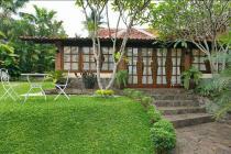Dijual villa antik rumah gallery di kampung bulak cinangka sawangan depok