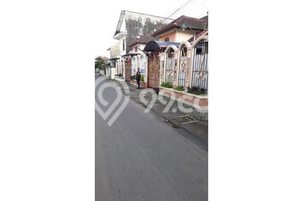 Rumah lokasi menarik, kawasan bisnis, legalitas lengkap : Jalan Godean km.5 15150008