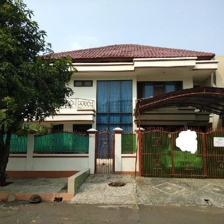 Rumah dengan KT 4+1 di Taman Modern, Cakung, Jakarta Timur