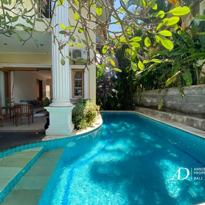 TRADITIONAL HOUSE WITH POOL IN PERERENAN