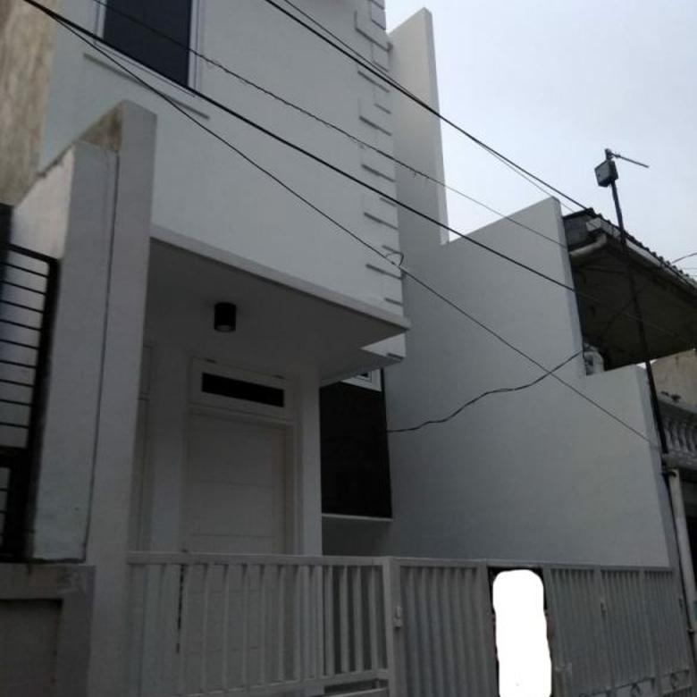 Rumah baru 2,5 lantai di Tanjung Duren, Jakarta Barat
