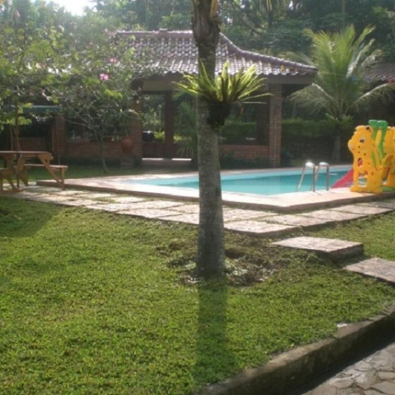 Villa Asri dan Terawat dg PRIVATE POOL di dkt Ciawi  Bogor (TDK MACET)