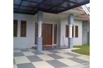 Rumah Full Renovasi Lokasi Strategis Gading serpong Tangerang.