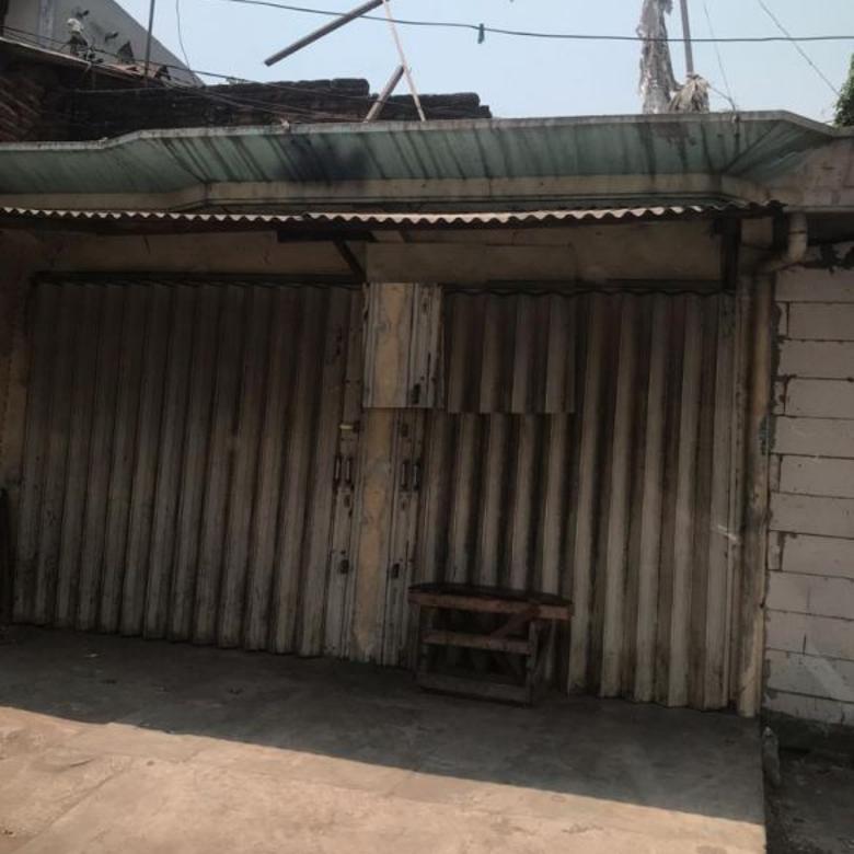 Rumah hitung tanah di Raya Rungkut lokasi ciamikk
