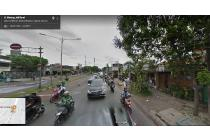 Toko pinggir jalan warung buncit depan halte busway ls.58mtr SHM