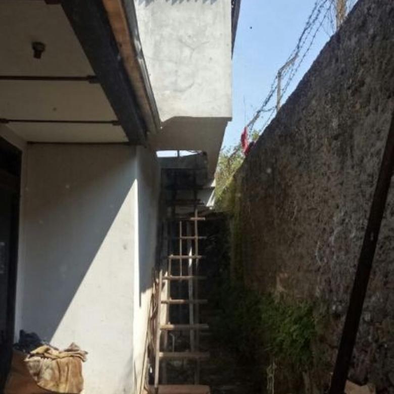 Rumah hanya 20m dari mainroad dago, HITUNG TANAH!!!