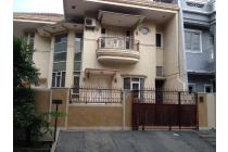 Rumah dijual Muara karang HOOK, Semi Furnished Hadap Utara dan Timur