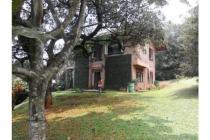 Di jual villa kebun siap huni cocok untuk tempat berlibur dan investasi