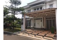 Dijual Rumah Hoek Cantik Mewah di Cluster Vernonia Summarecon Bekasi