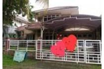 Rumah 2 Lantai Halaman Luas di Giri Loka, BSD City