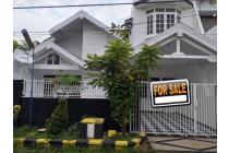 MOdern Minimalist House At Wiguna Tengah Regency 1,5FLOOR SHM