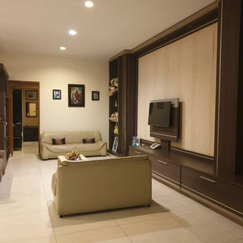 Rumah Lux Singgasana Pradana