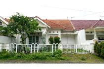 Rumah Belakang Plaza Araya, Lingkungan Nyaman, Araya