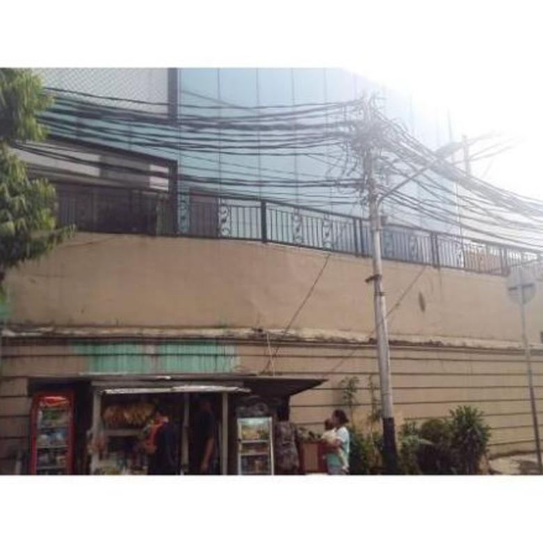 Dijual Ruko Luas 2 Lantai Lokasi, Dekat Dengan Jalan Raya di Jakarta Selata