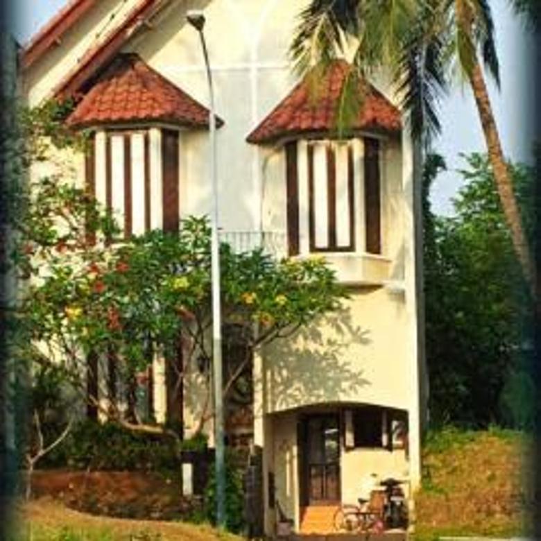 Rumah dalam Komplek Cirendeu