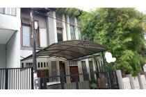 Dijual Rumah Semi Tropis di Taman Ratu, Jakarta Barat AG564