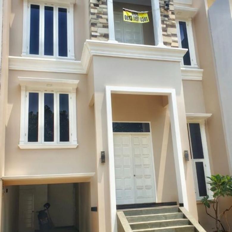 Rumah Baru Lokasi Strategis Jakarta Selatan