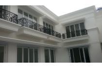 Rumah Mewah  bergengsi dilokasi ELITE  di Komplek  pondok indah Jaksel