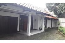 Rumah Tua (Hitung Tanah Saja) di Duren Tiga, Hadap Tenggara, LT 367 m2