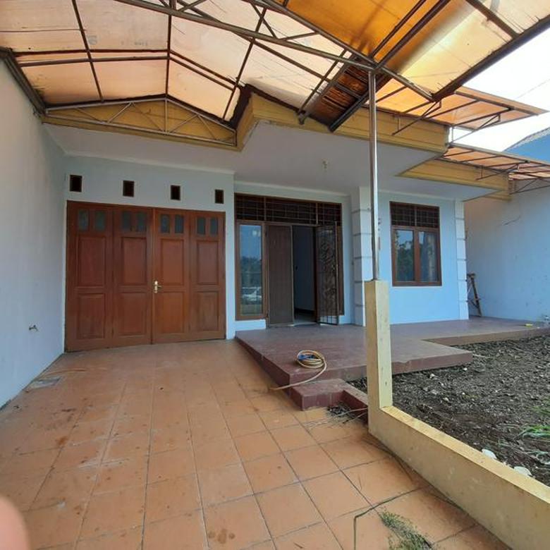Rumah asri di Jl. Ampera Raya ,Jaksel