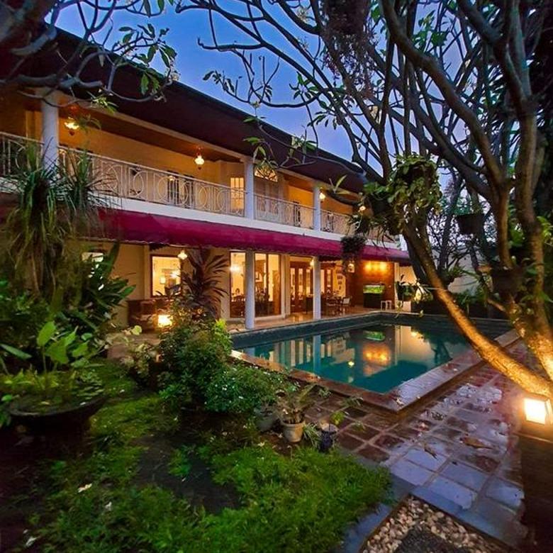 Rumah Mewah  Terawat Dengan Private Pool di Jagakarsa Jakarta Selatan