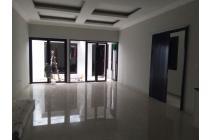 Rumah baru,siap huni,strategis di Pejaten village ,Jakarta Selatan
