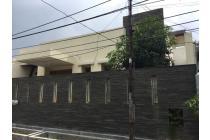 Dijual Rumah Strategis di Darmo Permai Selatan 13 Surabaya