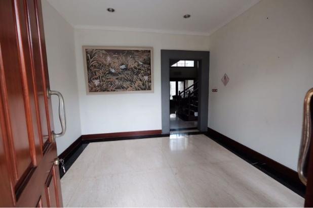 For Sale Lux House @ Setraduta Residence, baru selesai renov! 12405111