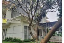 Rumah bagus harga bagus dalam town house terkenal Pondok Labu