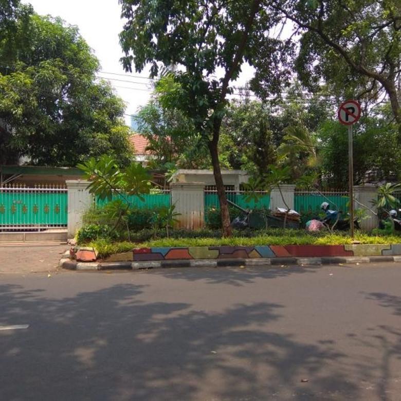 DI Jual Rumah Secondary Tanah Luas berlokasi di Menteng JakPus