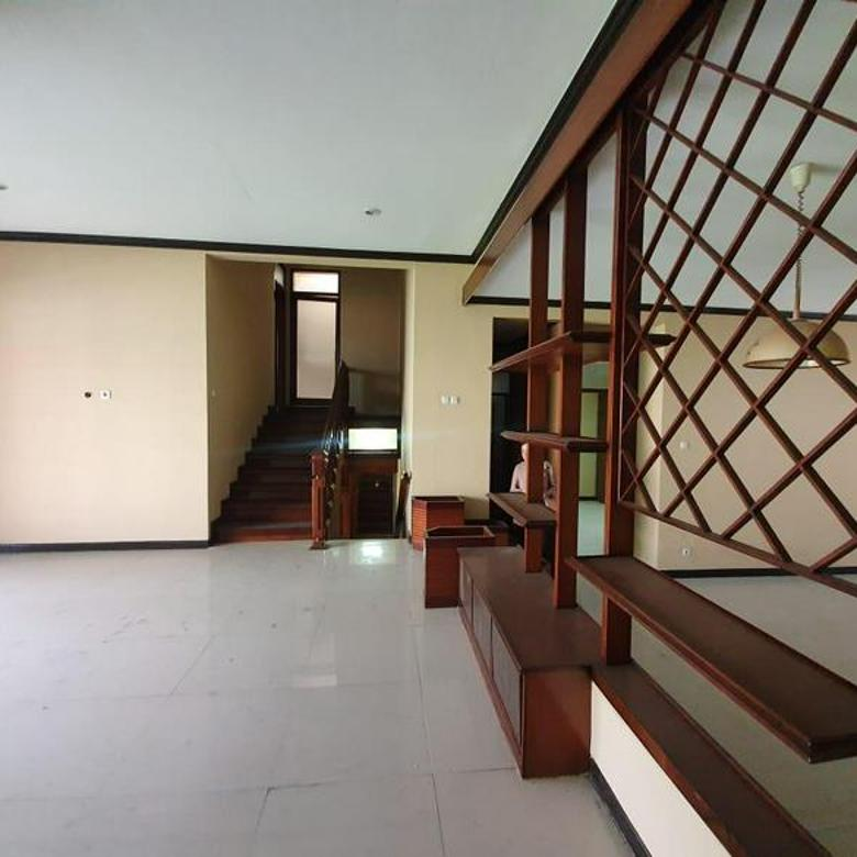 Rumah Nyaman Bagus 2 Lantai Daerah Sayap Pasteur Setramurni Bandung