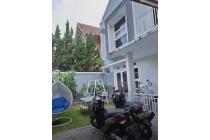 Rumah Asri Luas Kolam Renang Siap Huni di Aria Graha Bandung